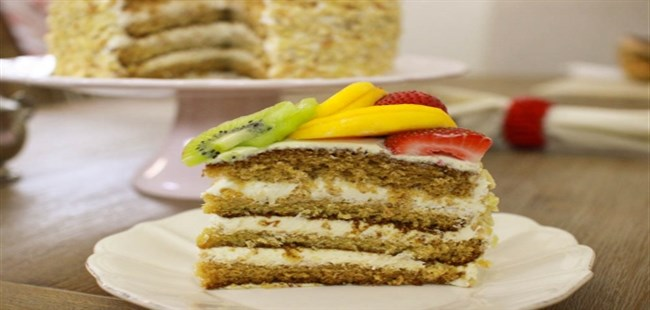Layer-Cake-With-Fruit (650 x 310)