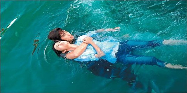 rescue a drowning person (640 x 320)