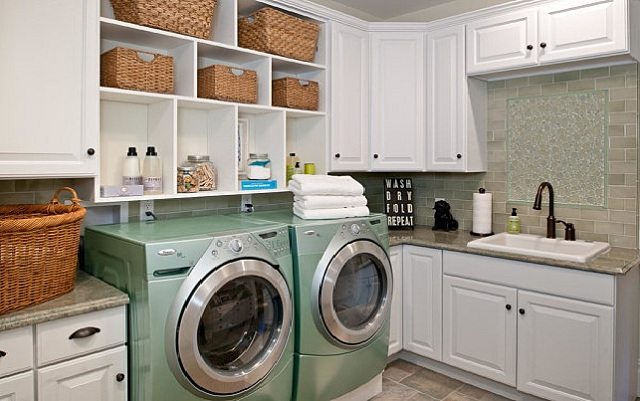 organize laundry room –